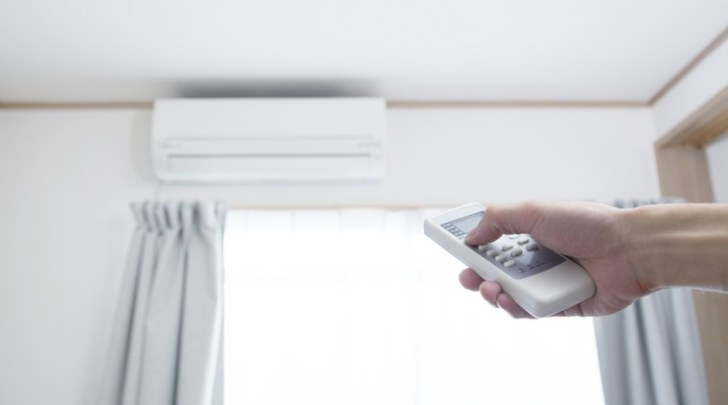 Control the indoor temperature with top air conditioners 2020
